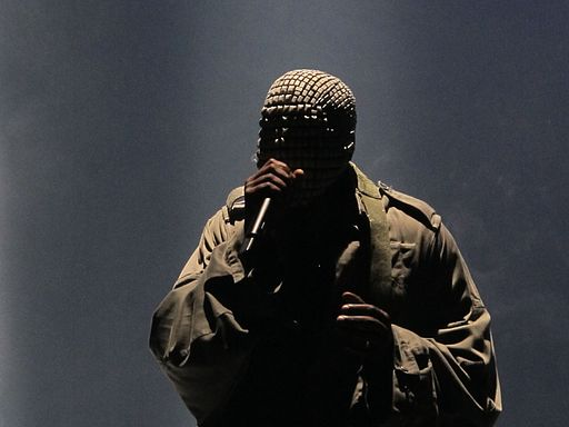 Image - Kanye West in performance